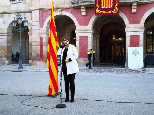 La presidenta del Parlament, Laura Borràs, en la declaració amb motiu de Sant Jordi davant el Palau del Parlament