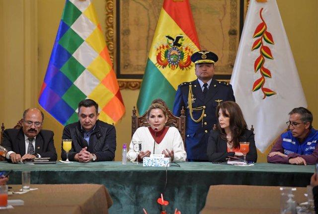 Archivo - La presidenta autoproclamada de Bolivia, Jeanine Áñez