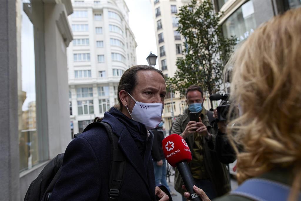 """Iglesias llama a parar las"""" barbaridades"""" de la ultraderecha en las urnas: """"Ayer fueron balas, mañana qué va a ser"""""""