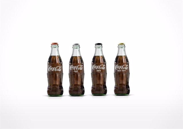 Archivo - Coca Cola botellas de vidrio