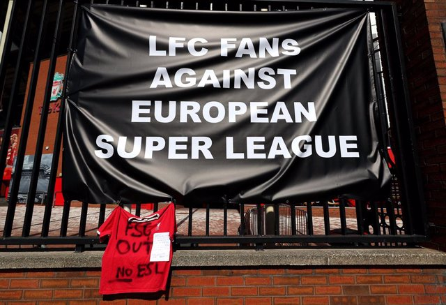 19 April 2021, United Kingdom, Liverpool: Banners are placed outside of Anfield, home of Liverpool FC, to protest against its decision to be included amongst the clubs attempting to form a new European Super League. Photo: Peter Byrne/PA Wire/dpa