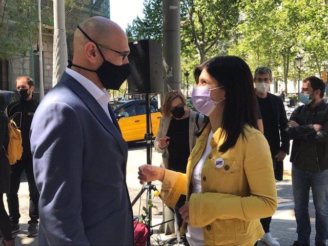 L'exconseller Raül Romeva amb la portaveu d'ERC, Marta Vilalta.