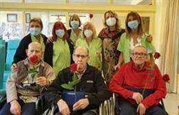 La Diputació de Barcelona regala roses als usuaris dels serveis Respir