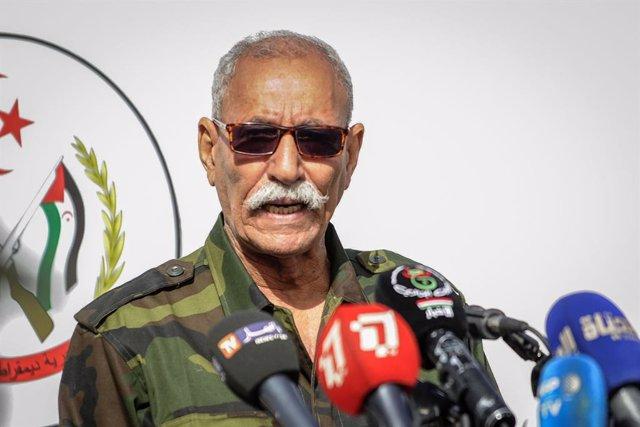 Archivo - FILED - 27 February 2021, Algeria, Tindouf: Sahrawi President Brahim Ghali speaks during a military parade marking the 45th anniversary of the declaration of the Sahrawi Arab Democratic Republic (SADR), near the south-western Algerian city of Ti