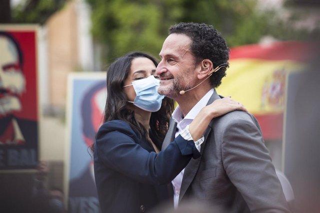 La presidenta de Ciudadanos, Inés Arrimadas (i), y el candidato del partido a la Presidencia de la Comunidad de Madrid, Edmundo Bal (d),