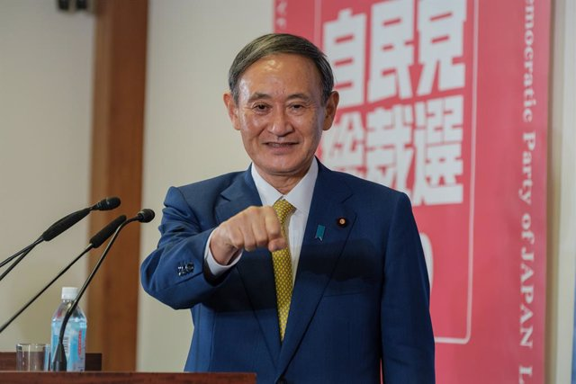Archivo - 14 September 2020, Japan, Tokyo: Japanese Chief Cabinet Secretary Yoshihide Suga  speaks during a press conference as he elected as new head of Japan's ruling party at the Liberal Democratic Party's (LDP) leadership election. Photo: -/ZUMA Wire/