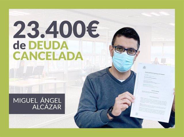 Miguel Ángel Alcázar, exonerado con Repara Tu Deuda