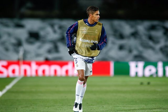 Archivo - Raphael Varane of Real Madrid warms up during the UEFA Champions League, Group B, football match played between Real Madrid and FC Internazionale Milano at Alfredo Di Stefano stadium on November 03, 2020, in Valdebebas, Madrid, Spain.