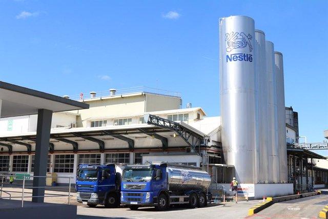 Archivo - La factoría de leche condensada de Nestlé de Pontevendra produjo 60.000 toneladas en 2020