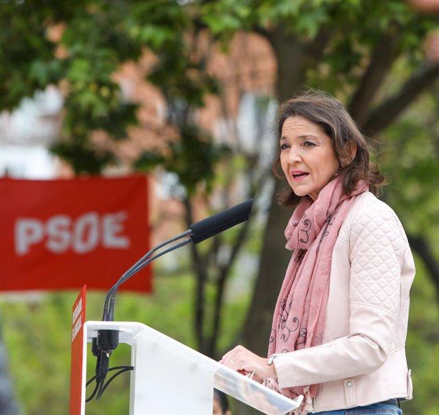 Arxiu - La ministra d'Indústria, Comerç i Turisme, Reyes Maroto, durant un acte electoral del PSOE.