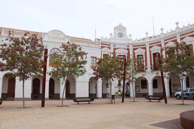 Arxiu -Façana de l'Ajuntament de Manzanares.