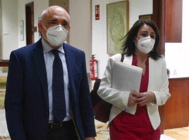 Archivo - El secretario general del Grupo Socialista en el Congreso, Rafael Simancas; y la portavoz del PSOE en el Congreso, Adriana Lastra, se dirigen a una Junta de Portavoces