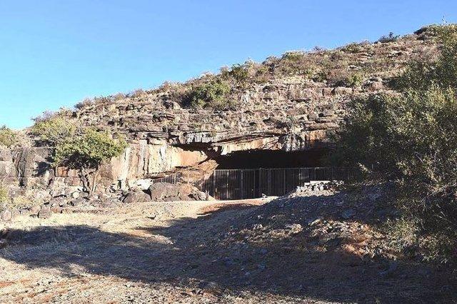 La cueva Wonderwerk del desierto de Kalahari