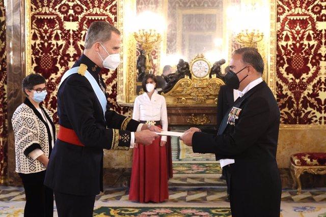 El Rey Felipe VI recibe cartas credenciales del nuevo embajador de Colombia, Luis Guillermo Plata Páez