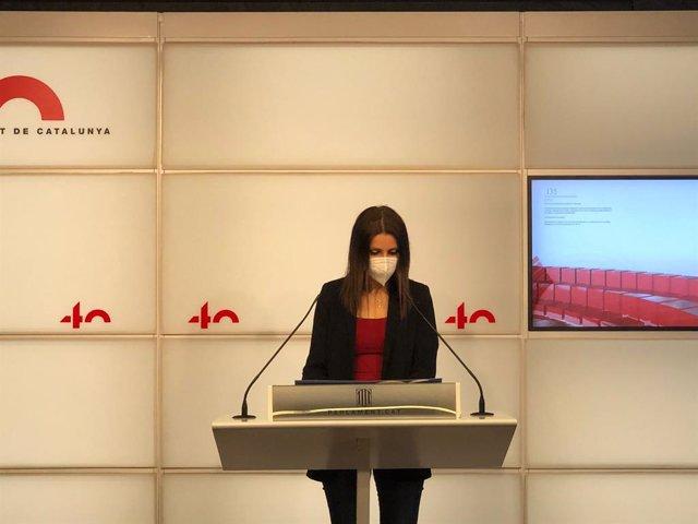 La diputada del PP al Parlament Lorena Roldán en una roda de premsa al Parlament.