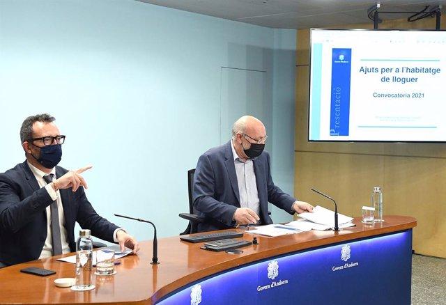 El ministre d'Afers Socials, Habitatge i Joventut d'Andorra, Víctor Filloy, i el director del departament d'Afers Socials, Joan Carles Villaverde.