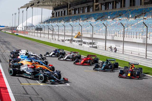 Archivo - The whole F1 cars together on the grid during the Formula 1 Pre-season testing 2020 from March 12 to 14, 2021 on the Bahrain International Circuit, in Sakhir, Bahrain - Photo Florent Gooden / DPPI