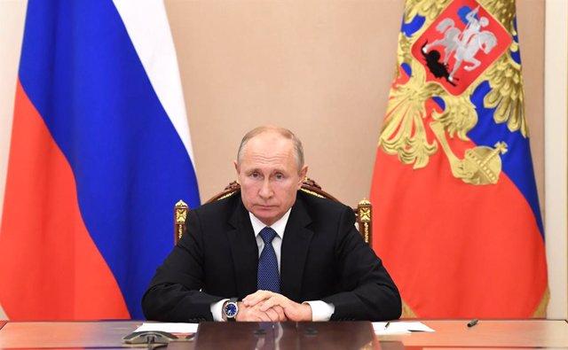 Archivo - Vladimir Putin, en una reunión por videoconferencia con los miembros permanentes del Consejo de Seguridad