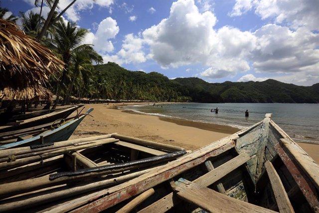 Archivo - Las playas del estado de Sucre son usadas por los venezolanos para embarcarse e intentar emigrar a Trinidad y Tobago