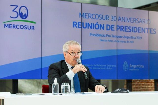 El ministro de Exteriores de Argentina, Felipe Solá, durante la Cumbre por los 30 años de Mercosur.