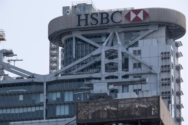 Archivo - 17 March 2021, China, Hong Kong: A general view of the HSBC's headquarters building in Hong Kong. HSBC Holdings Plc's main Hong Kong office have been closed until further notice after multiple positive coronavirus (COVID-19) cases found in the b