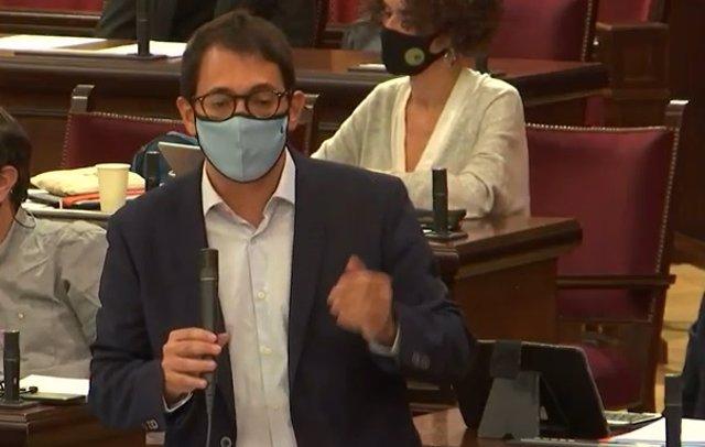 Archivo - El conseller de Modelo Económico, Turismo y Trabajo, Iago Negueruela.