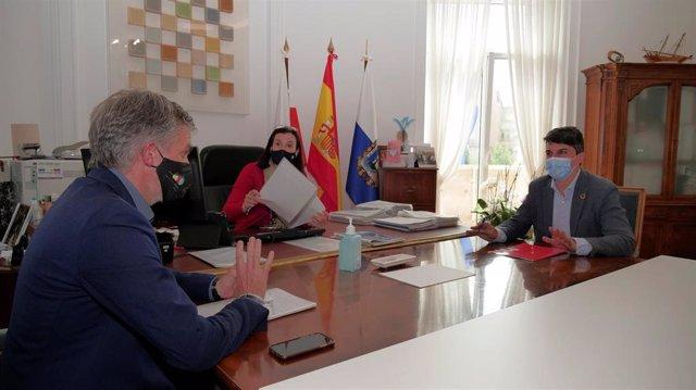 El portavoz del PSOE, Daniel Fernández, en la negociación del II Plan de Choque