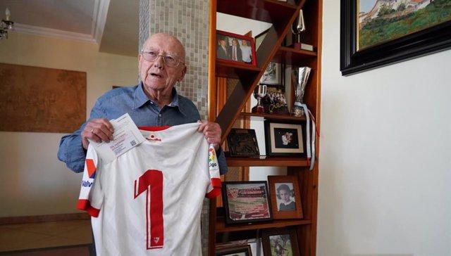 Domingo Muñoz González, socio número uno del Sevilla FC