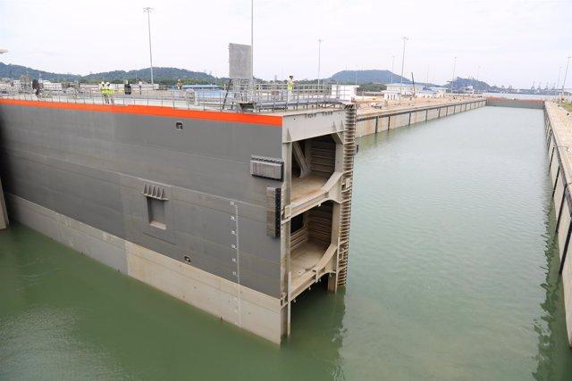Archivo - Ampliación del Canal de Panamá, esclusas y compuertas