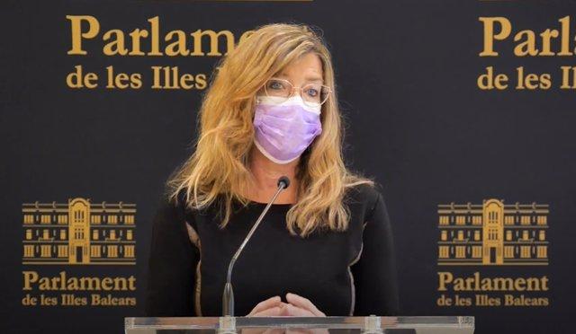 Archivo - La consellera de Salud y Consumo, Patricia Gómez, en una rueda de prensa en el Parlament.
