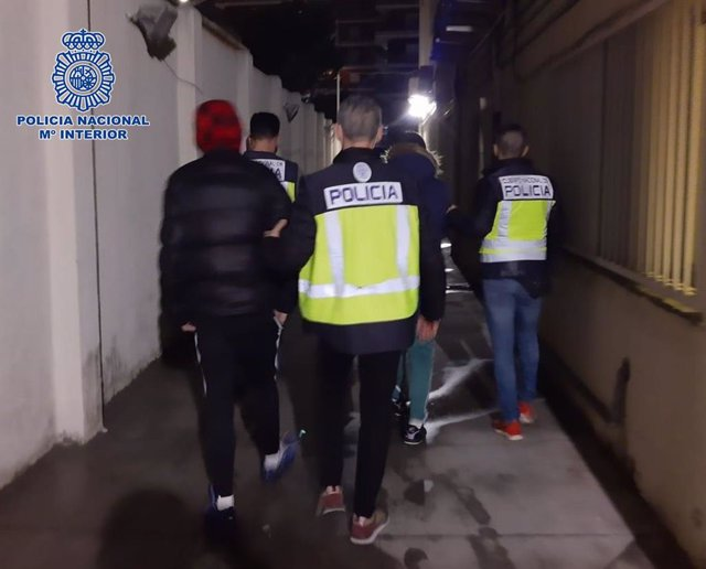 Archivo - AMP.- Detenidos 8 pandilleros por apalear y apuñalar a un menor en Torrejón (Madrid) en enero