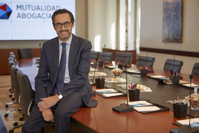 Archivo - El presidente de Mutualidad de la Abogacía, Enrique Sanz Fernández-Lomana