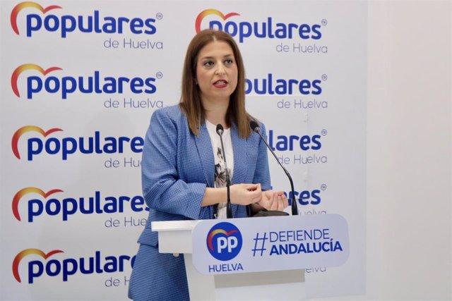 La portavoz del PP de Huelva, Paqui Rosa, en rueda de prensa.