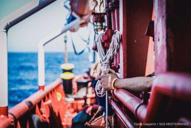 Archivo - El buque 'Ocean Viking' de SOS Mediterranée tras rescatar a inmigrantes y refugiados en el Mediterráneo
