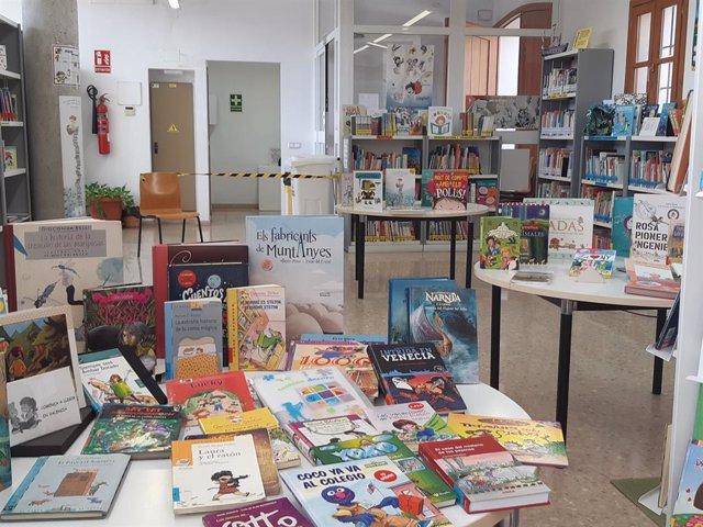 Libros en biblioteca municipal de València