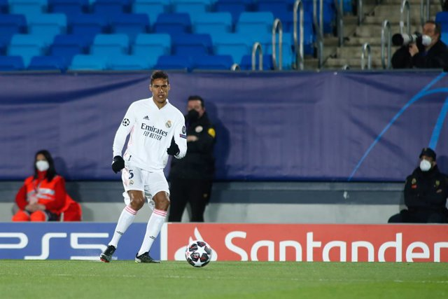 Archivo - Raphael Varane of Real Madrid in action during the UEFA Champions League, Round of 16, football match played between Real Madrid and Atalanta de Bergamo at Alfredo di Stefano on March 16, 2021, in Valdebebas, Madrid, Spain.