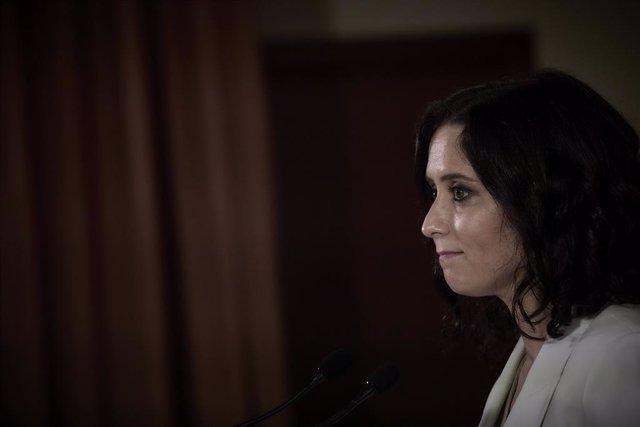 La presidenta de la Comunitat de Madrid i candidata del PP a la reelecció, Isabel Díaz Ayuso, intervé en una roda de premsa en el Col·legi concertat Pare Manyanet, a 27 d'abril de 2021, Alcobendas, Madrid, (Espanya).