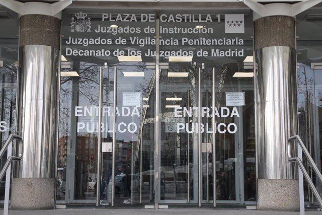 Archivo - Imagen de recurso de la entrada de los Juzgados de Plaza de Castilla.