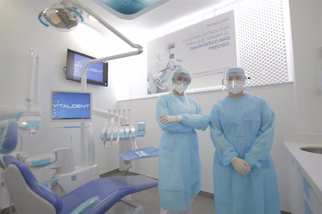 Archivo - Cvirus.- Vitaldent abre sus 47 clínicas en Madrid con un nuevo protocolo de seguridad post Covid-19