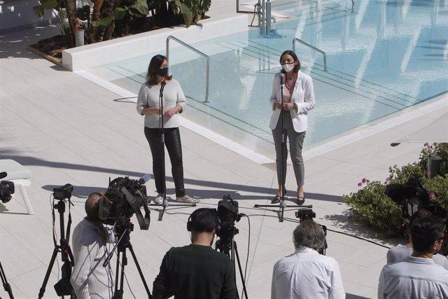 Archivo - (I-D) La presidenta balear, Francina Armengol, y la ministra de Industria, Comercio y Turismo, Reyes Maroto, ofrecen una rueda de prensa tras participar en una reunión con representantes del sector turístico balear, en Palma el pasado 25 de marz