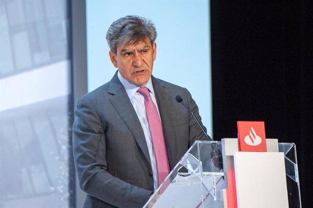 Archivo - El consejero delegado de Banco Santander, José Antonio álvarez, en la junta de accionistas de 2021.
