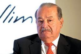 Archivo -    La gigante América Móvil, del magnate Carlos Slim, comenzó a ceder control en el sector de telecomunicaciones en México y podría ser la clave para una mayor competencia en la televisión, otra industria altamente saturada en el país, dijo el j