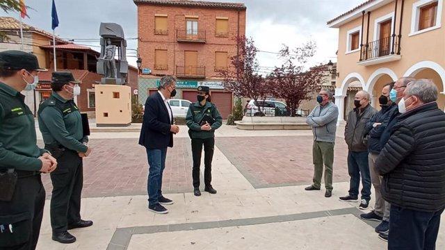 Visita a Utrillas de la jefa de la Comandancia de la Guardia Civil de Teruel, Silvia Gil