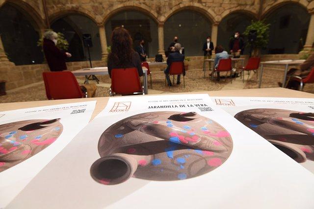 El festival de arte urbano 'Muro Crítico' de la Diputación de Cáceres llega esta edición a cinco municipios