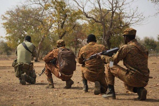 Archivo - Soldados de Burkina Faso