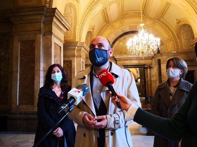 El vicepresident d'Òmnium Cultural, Marcel Mauri, en declaracions als mitjans després de reunir-se amb la presidenta del Parlament, Laura Borràs.