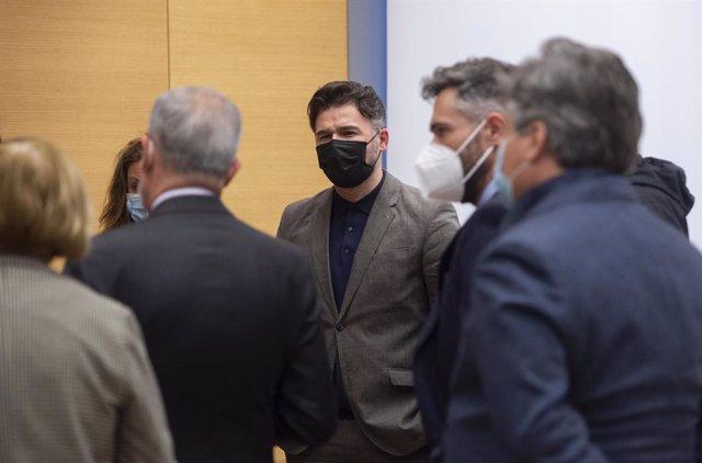 Arxiu - El portaveu parlamentari d'ERC, Gabriel Rufián arriba a una comissió del Congrés.