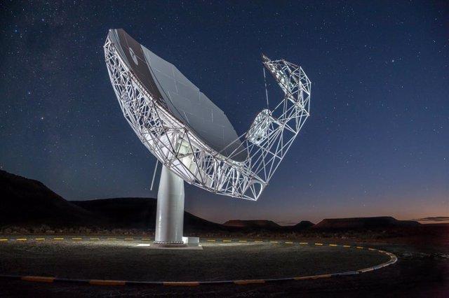 Radiotelescopio MeerKAT