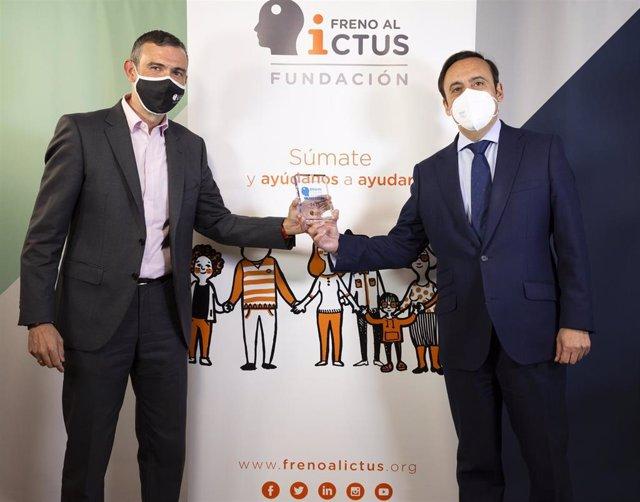 El presidente de la Fundación Freno al Ictus, Julio Agredano y el presidente de Cofares, Eduardo Pastor.