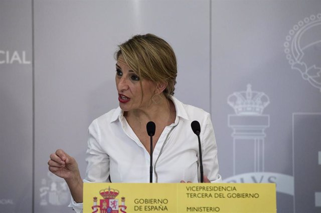 La vicepresidenta tercera del Gobierno y ministra de Trabajo y Economía Social, Yolanda Díaz, interviene en la rueda de prensa tras la Conferencia Sectorial de Empleo.